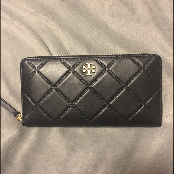 NWT TORY BURCH Tory Burch Georgia Continental Zip Wallet IN BLACK $228